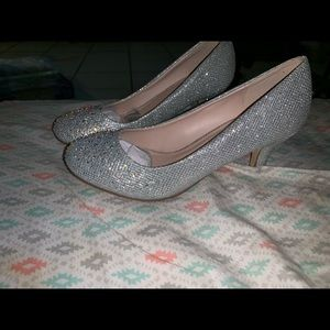 Girls silver glitter Dress shoes size 5.5